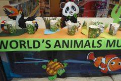 animal world mug vetrina 02